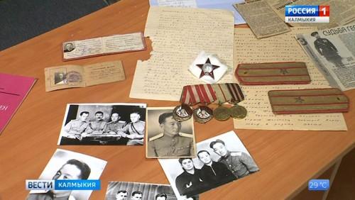 В Национальный музей на вечное хранение передан архив ветерана