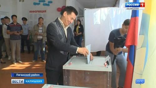 В Калмыкии работали 239 избирательных участков