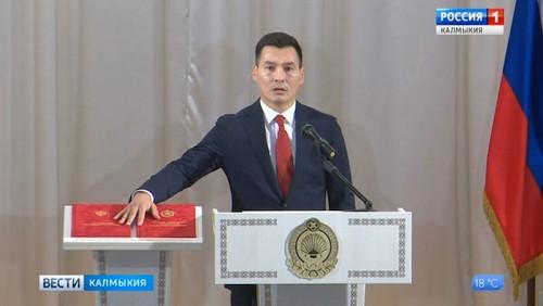 Бату Хасиков вступил в должность главы республики
