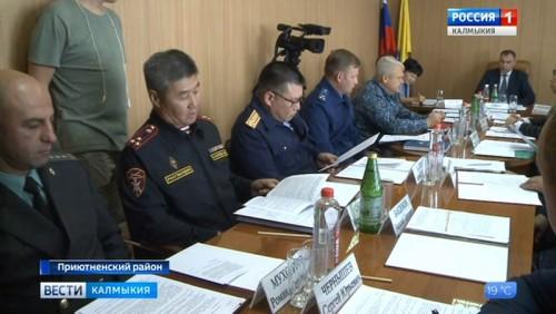 В Приютном состоялось выездное заседание профильной комиссии