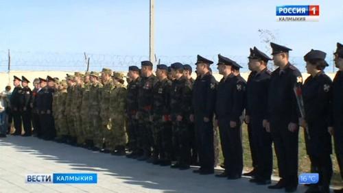 В Элисте почтили память погибших при исполнении сотрудников органов внутренних дел