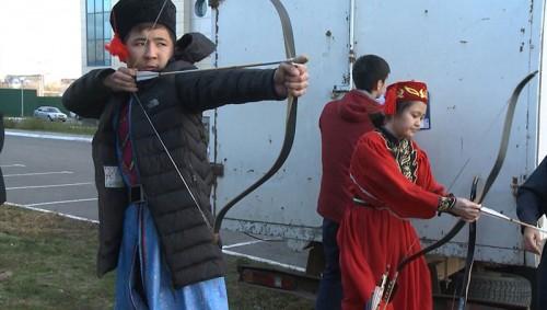 В Элисте прошел фестиваль «Джангрин ачнр»