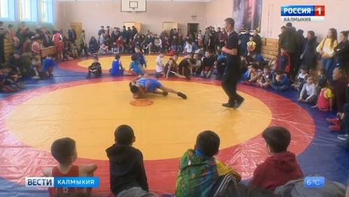 В Кетченерах прошел турнир по вольной борьбе