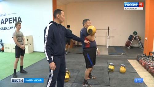 Вячеслав Эрднеев готовится к чемпионату Европы по гиревому спорту