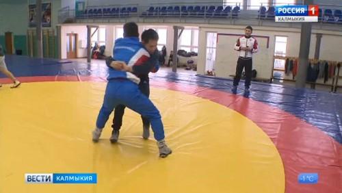 Мингиян Семенов поздравил своего наставника