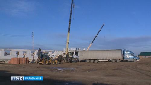 Успеют ли завершить строительство школы в Троицком?