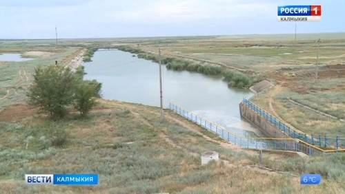 Водоснабжение – во главе угла. Жители Юстинского района до сих пор используют привозную воду