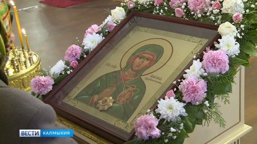 В Калмыкию доставили мощи святой Анастасии Узорешительницы