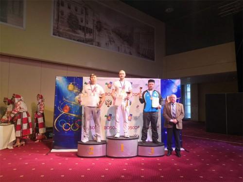 Серебро Чемпионата России по стрельбе из лука завоевал калмыцкий спортсмен