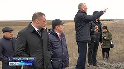 Председатель правительства Юрий Зайцев сегодня с рабочей поездкой находится в Яшкульском районе