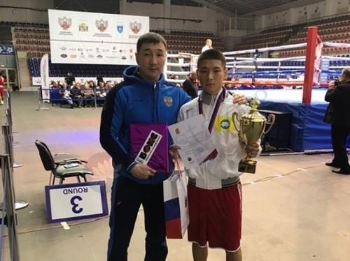 Юный калмыцкий боксер стал победителем Всероссийского турнира