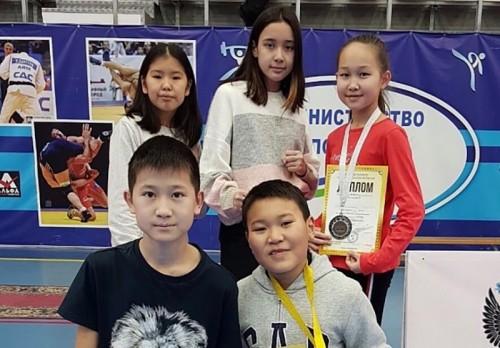 Юные тхэквондисты привезли домой медали Всероссийского турнира