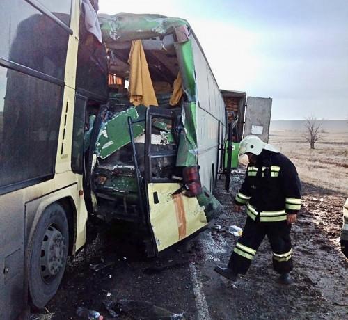 По факту крупной автоаварии в Калмыкии возбуждено уголовное дело