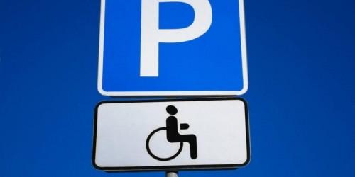 Прокурор города требует оборудовать парковки для инвалидов в центре столицы