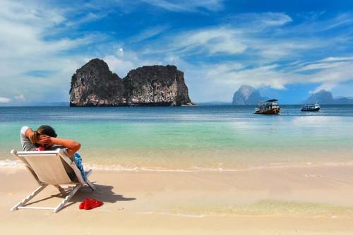 Таиланд и Вьетнам приняли решение принимать туристов из России
