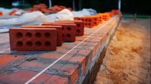 В Элисте продолжается возведение пристроев к трем детским садам