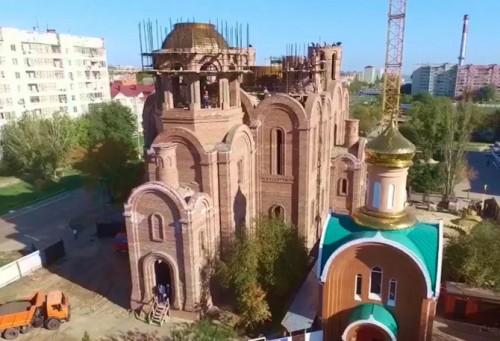 Сегодня состоится установка куполов на Кафедральный собор святых Кирилла и Мефодия