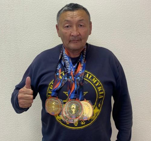Житель Калмыкии стал чемпионом мира по гиревому спорту