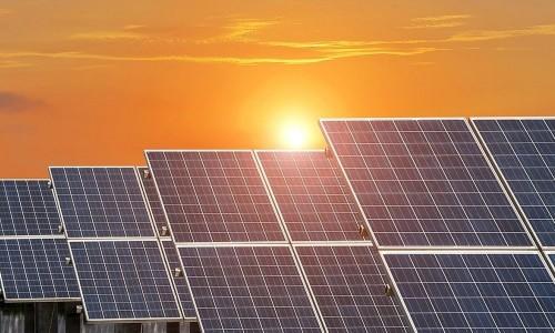 В Малодербетовском районе продолжается реализация инвестпроекта по строительству солнечных электростанций