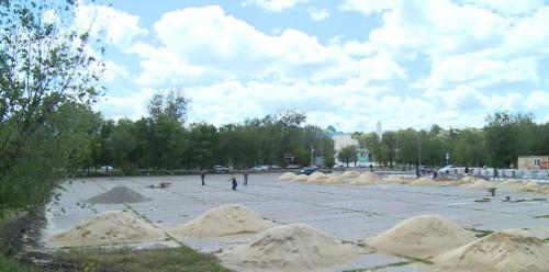 На главной площади Элисты продолжаются строительные работы