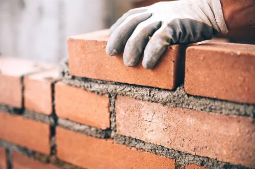 В Элисте началось строительство дома для переселенцев из аварийного жилья