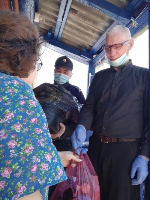 Представители духовного сообщества Калмыкии оказали благотворительную помощь нуждающимся