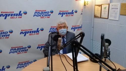 Управляющий регионального отделения Пенсионного фонда ответил на вопросы радиослушателей