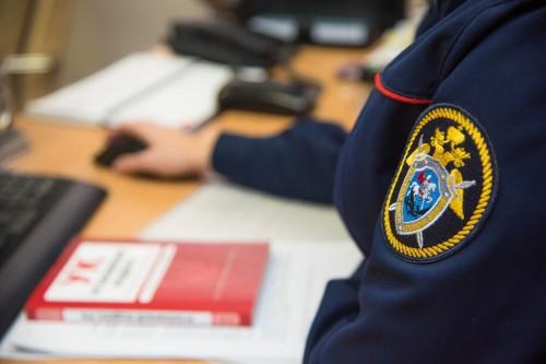 В отношении главы администрации Яшалтинского района возбуждены уголовные дела