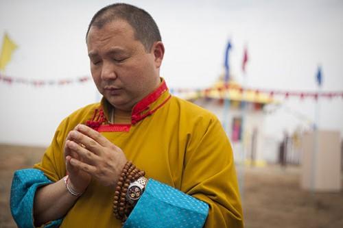 Шаджин-лама Калмыкии дарует наставления и обеты в режиме онлайн