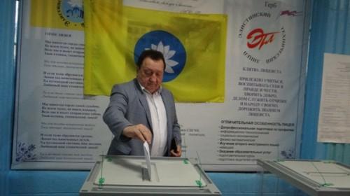 В Калмыкии открылись избирательные участки