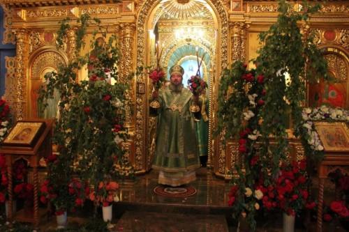 Сегодня православные христиане отмечают День Святой Троицы