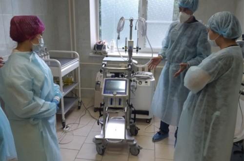 В республиканскую больницу им. Жемчуева поступил аппарат для борьбы с COVID-19