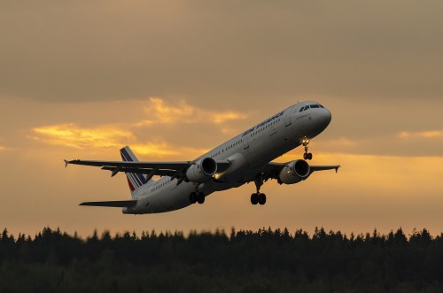 С 1 августа Россия возобновляет международные авиарейсы