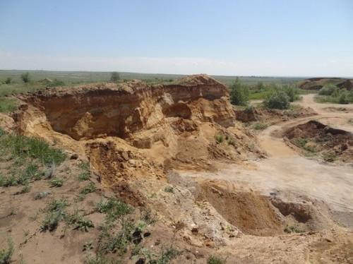 Выявлен несанкционированный карьер по добыче грунта