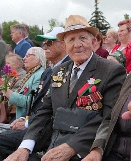 Сегодня 95 лет кавалеру ордена Отечественной войны II степени, фронтовику Петру Леонтьевичу Леонтьеву