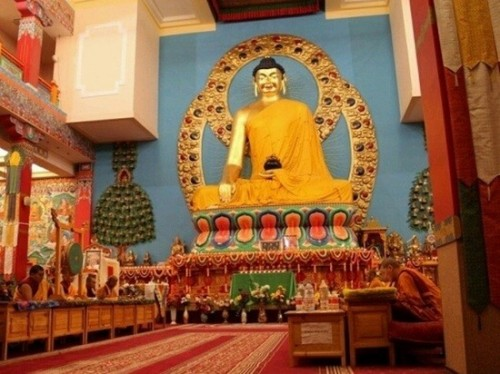 Сегодня в нашем эфире очередная передача из цикла «Бурхна ном - ухани зеер» - «Учение Будды- богатство ума»