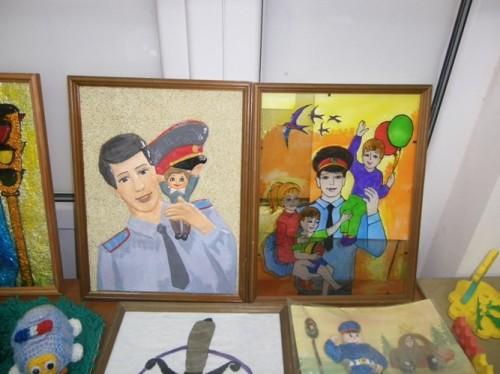 «Мои родители работают в полиции». Стартовал традиционный детский конкурс рисунка