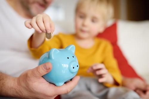 Срок предоставления детских пособий автоматически продлен до конца текущего года