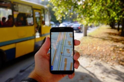 Жители Калмыкии  могут отслеживать передвижение городского транспорта на своих телефонах