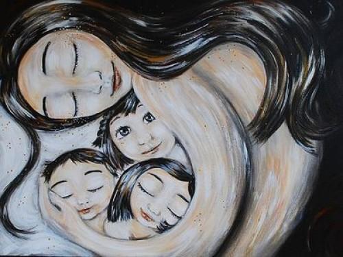 В преддверии Дня Матери восемь семей Калмыкии удостоены Почетного знака «За заслуги в воспитании детей»
