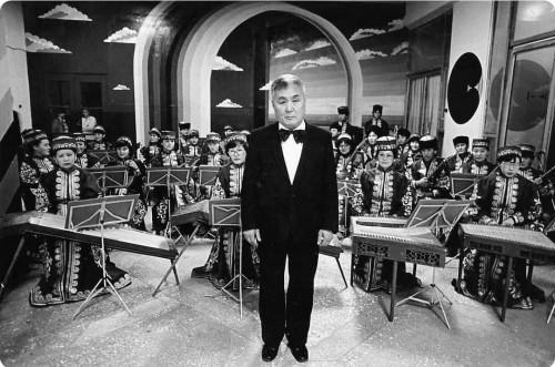 Коллектив Национального оркестра Калмыкии запустил челлендж «Поем и играем Чонкушова»