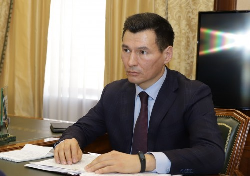 Бату Хасиков выразил соболезнования в связи с кончиной Валерия Бадмаева