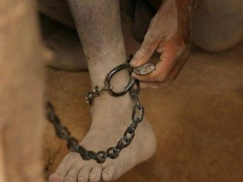 Мужчина который удерживал ребёнка в неволе получил тюремный срок