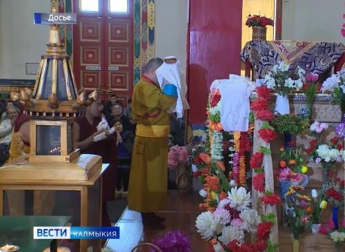 В Центральном хуруле с сегодняшнего проводятся предпраздничные молебны
