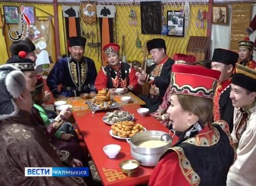Жители Калмыкии готовятся к Цаган-сар