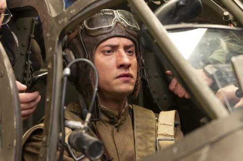 Сегодня на большие экраны выходит премьера военного экшн-фильма «Девятаев»