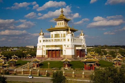 Появится ли в Калмыкии современная духовная академия?