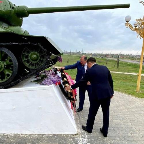 Власти города отдали дань памяти защитникам Отечества