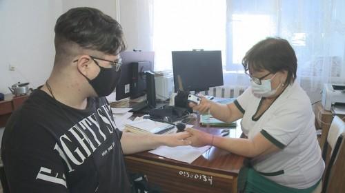 Малодербетовцы вошли в число районов где 50 процентов населения получили прививку от коронавируса