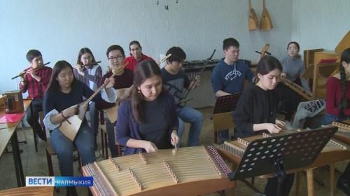 Депутаты ЭГС поддержали решение администрации города перевести школы искусств в столице в введение органов управления культуры